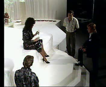 The Woman Who Loves Men 2 (VTO) Screenshot 0