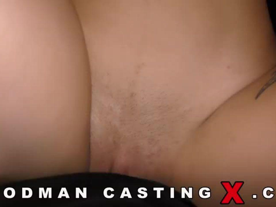 Zee Twins – Casting X 214 (WoodmanCastingX) Screenshot 2