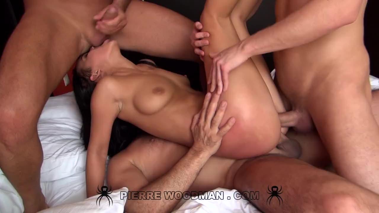 [WoodmanCastingX] Hard – In bed with 2 men - Vanessa Rodriguez (DP)/(Natural Tits)