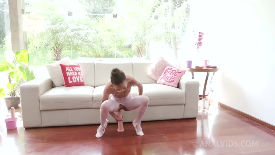 Skinny ballet dancer double anal fucked by 4 huge cocks YE109 (LegalPorno / AnalVids) Screenshot 1