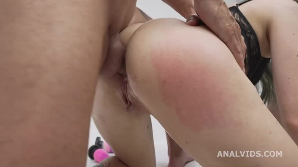[LegalPorno] First DP with Outdoor, Balls Deep Anal, DP and Cum in Mouth - Giada Sgh (DP)/(High Heels)