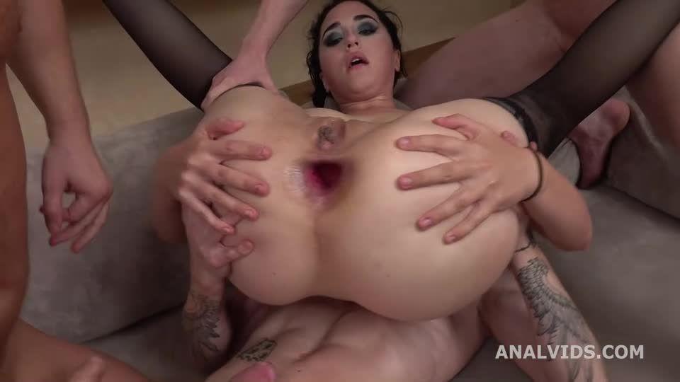 Russian Pee, Balls Deep Anal, DAP, ButtRose, Pee and Swallow (LegalPorno / AnalVids) Screenshot 5
