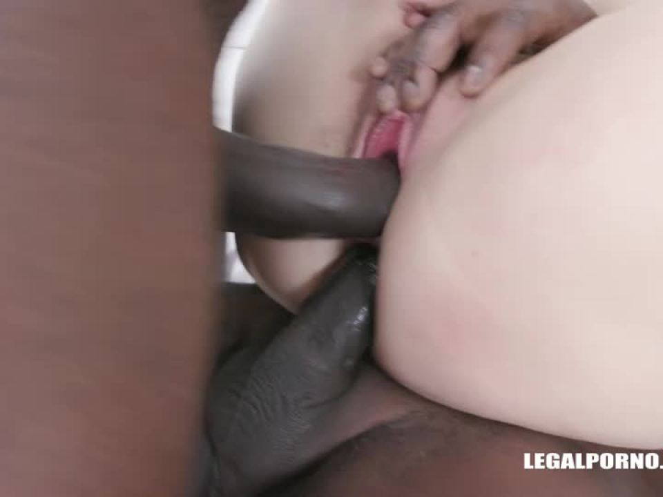 Obedient pissing (LegalPorno) Screenshot 6