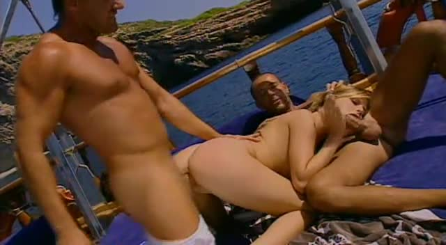 [ATV / Marc Dorcel] Sex in Ibiza / 7 Bombes sous le Soleil - Tarra White (DP)/(Outdoor)