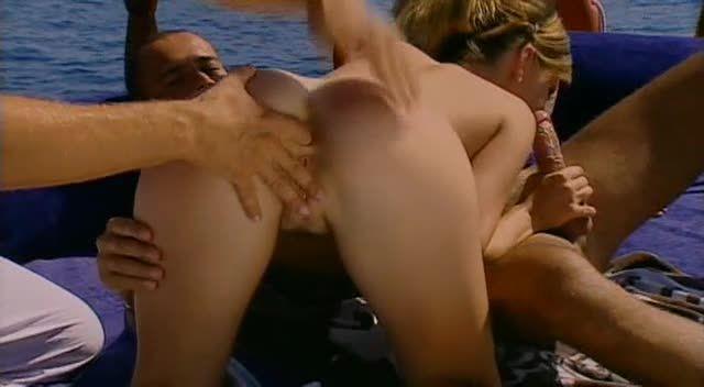 Sex in Ibiza / 7 Bombes sous le Soleil (ATV / Marc Dorcel) Screenshot 1