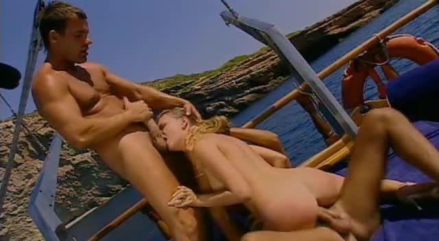 Sex in Ibiza / 7 Bombes sous le Soleil (ATV / Marc Dorcel) Screenshot 2