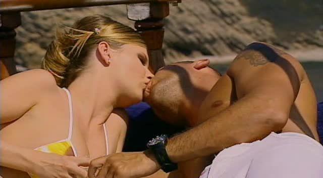Sex in Ibiza / 7 Bombes sous le Soleil (ATV / Marc Dorcel) Screenshot 6