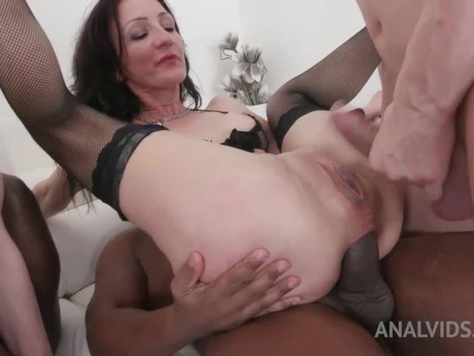 Kinky orgy for bad bitches KS001 (LegalPorno) Screenshot 4