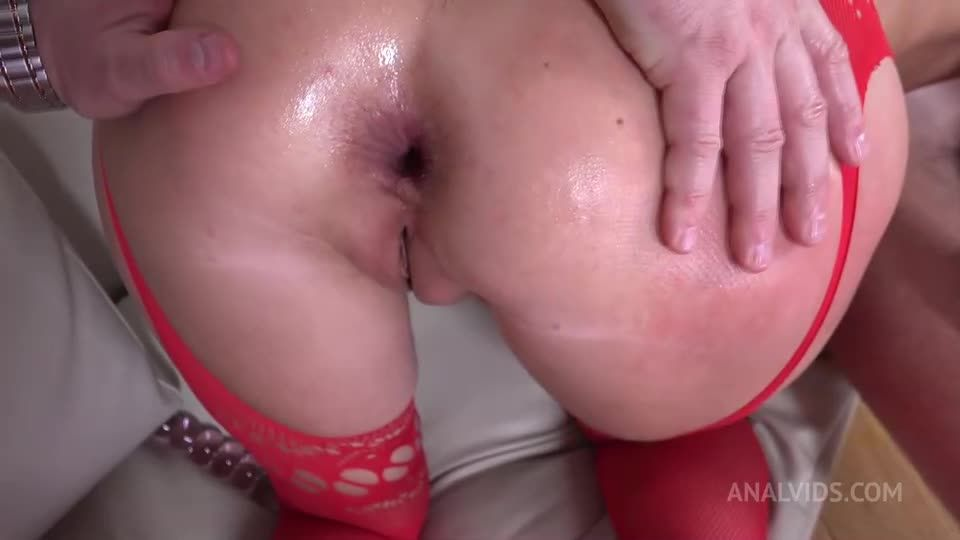 First DP Sexy Milf with Rimming and Cum in Mouth VG010 (LegalPorno / AnalVids) Screenshot 3