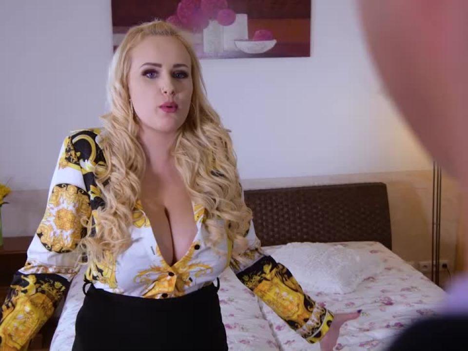 Voluptuous Blonde Double Penetrated (DDFBusty / DDFNetwork) Screenshot 9