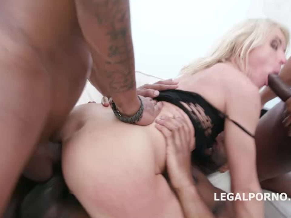 Black Ravage, Insane toys and fisting, Anal and DAP fucking with buttroses and swallow (LegalPorno) Screenshot 4