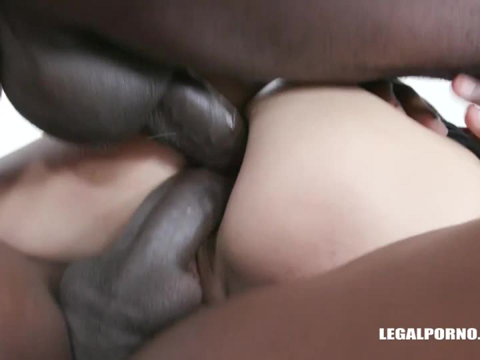 Comes to try african champagne (LegalPorno) Screenshot 5