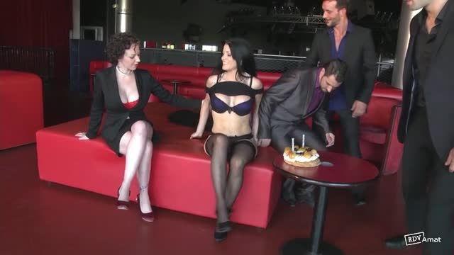 Double et triple anale pour Lana (JacquieEtMichelTV / Indecentes-Voisines) Screenshot 1