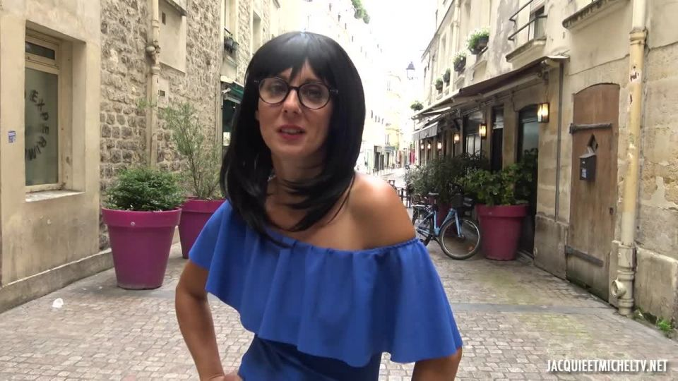 Marie, 42, Stands Out (JacquieEtMichelTV / Indecentes-Voisines) Screenshot 1