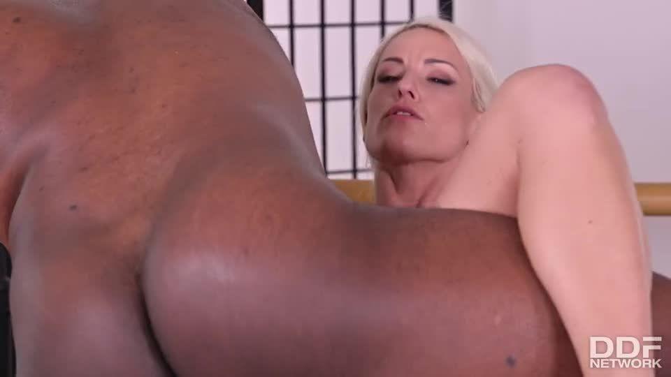 Well-Endowed Czech Blonde Gets 2 BBCs At Once (HandsOnHardcore / DDFNetwork / PornWorld) Screenshot 7