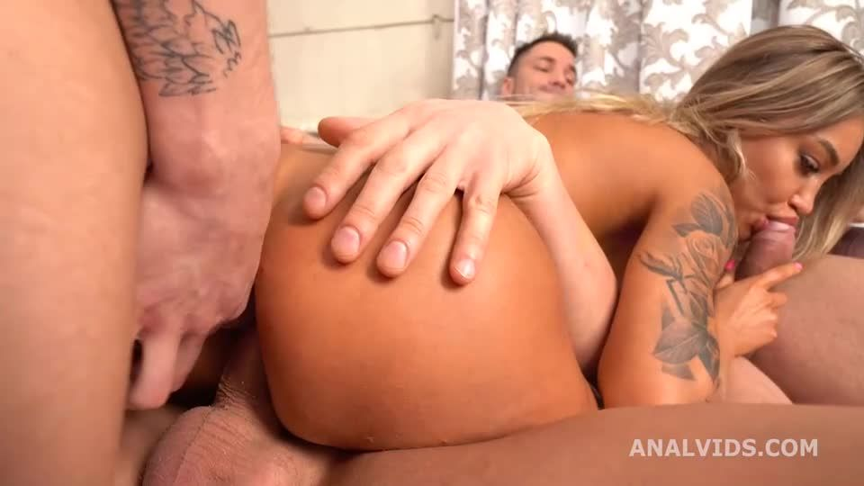 Manhandle goes Wet, DAP, Pee Drink, Monster ButtRose and Swallow (LegalPorno / AnalVids) Screenshot 3