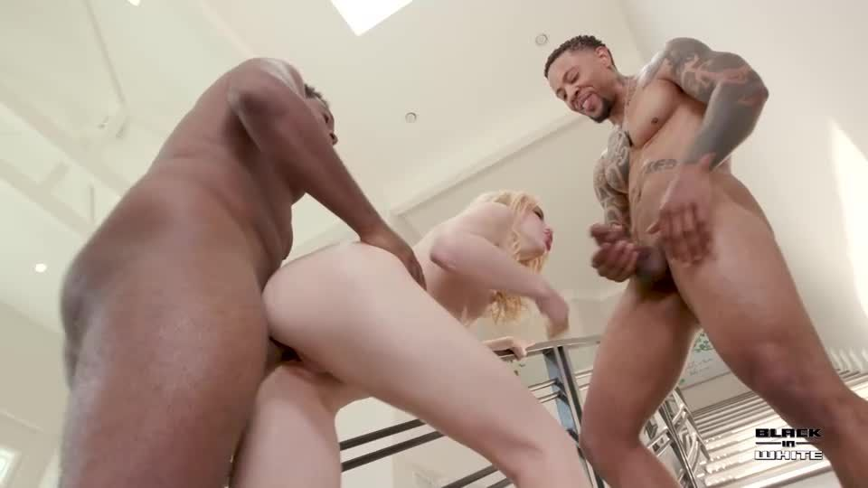 Lunch delivery ends as interracial 3some DP session BIW010 (LegalPorno / AnalVids / BlackInWhite) Screenshot 3