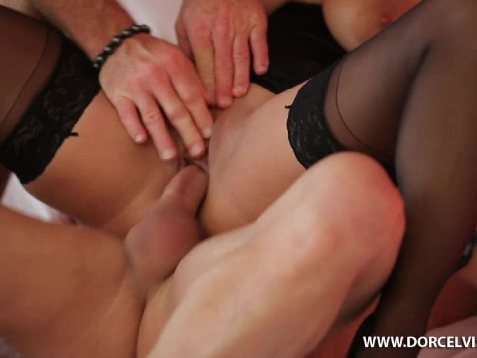 Ma Soeur Et Moi / My Sister And Me (Marc Dorcel) Screenshot 7