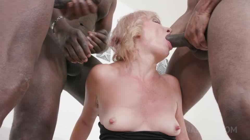 Kinky interracial DP with milf slut KS138 (LegalPorno) Screenshot 1
