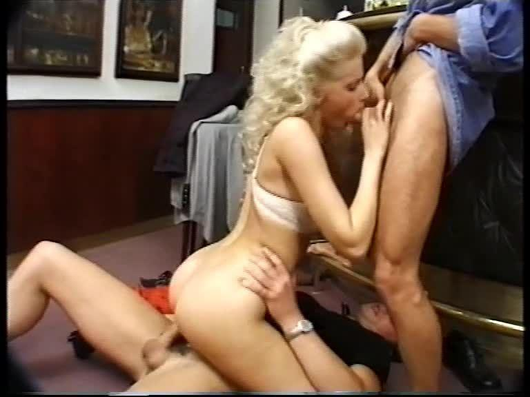 Fruhe Sinnlichkeit / Teenies 54: Frühe Sinnlichkeit (XY Video) Screenshot 2