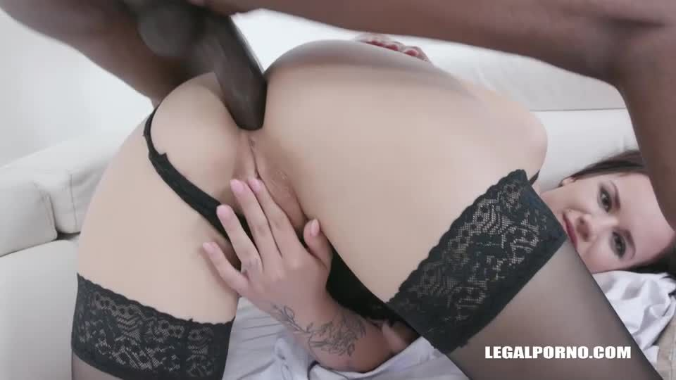 Obedient slut enjoys pissing and anal sex with with black guys (LegalPorno) Screenshot 3