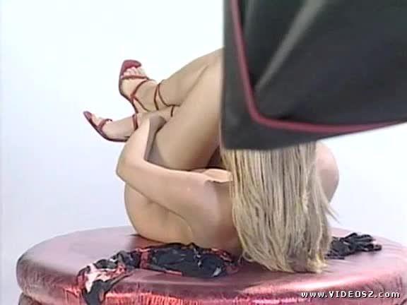 Sex Fashion / Sexe sous les tropiques / Travolto da un insolito pompino (Erotic Media / Marc Dorcel / Top Line) Screenshot 1