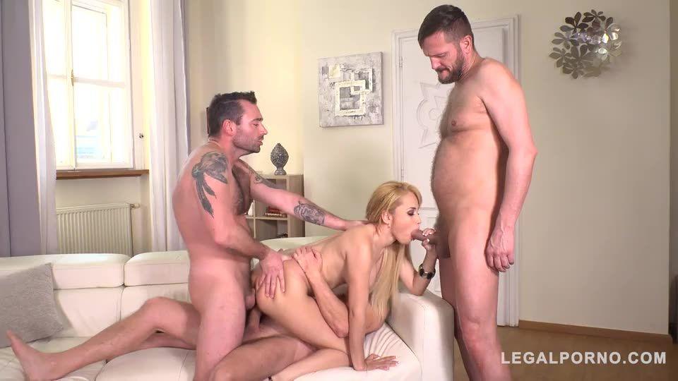 Blonde group sex addict DAPed balls deep by three veiny dicks (LegalPorno) Screenshot 4