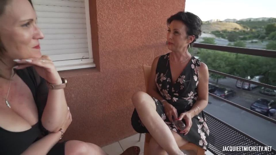 Luxure Out Of Time With Carole, 45, And Adeline (JacquieEtMichelTV / Indecentes-Voisines) Screenshot 0