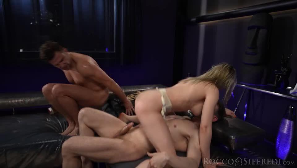 The Spanish Stallion: Cherry Kiss Undefeated (Rocco Siffredi / Evil Angel) Screenshot 7