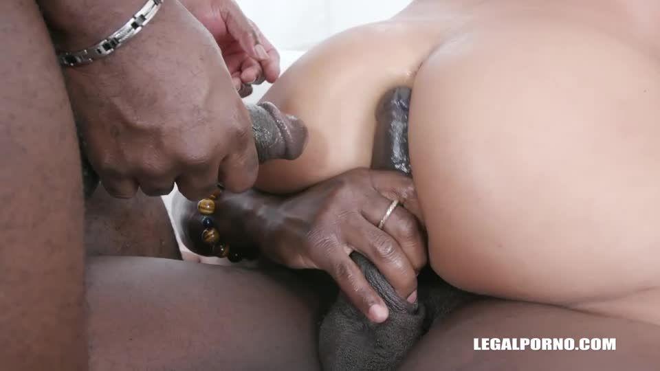 la conquistadora de pollo she took 2 cocks in the ass (LegalPorno / AnalVids) Screenshot 6