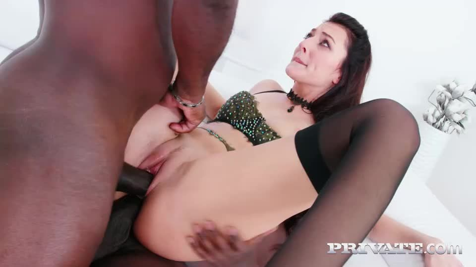 Enjoys Interracial Threesome With DP (AnalIntroductions / Private) Screenshot 6